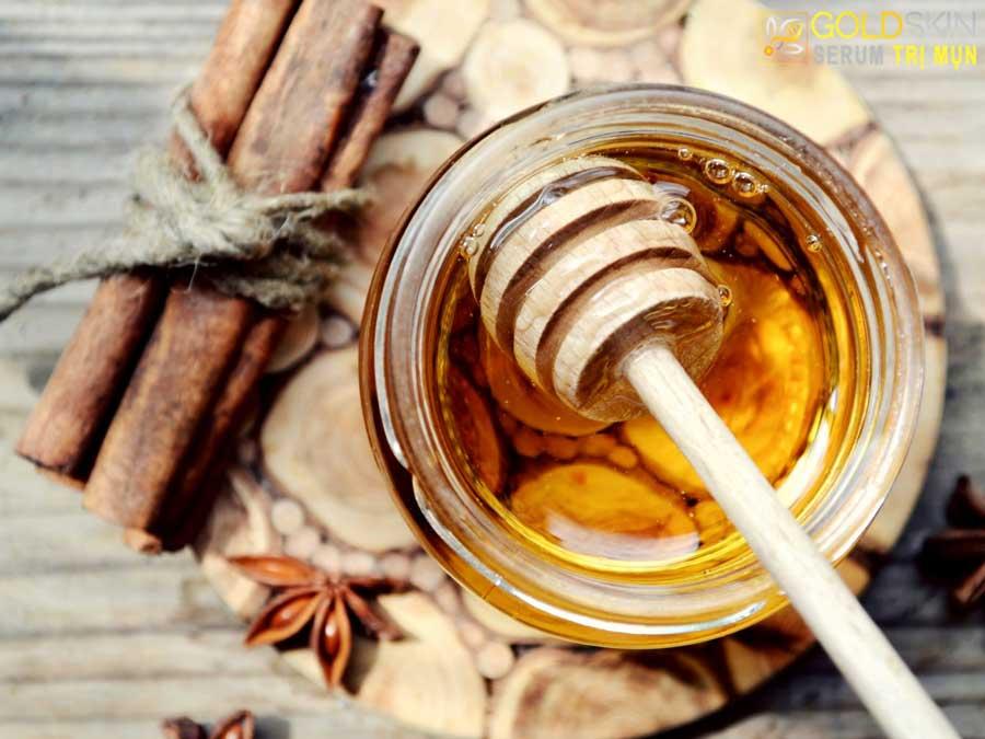 Quế và mật ong – Bộ đôi chống mụn ẩn triệt để