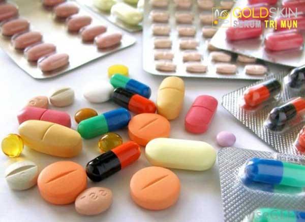 Thuốc kháng sinh giảm đau, giảm sưng sẽ khiến làn da của bạn dễ nổi mụn