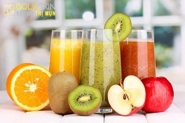Bổ sung nhiều vitamin C bằng việc uống nước ép hoa quả hàng ngày