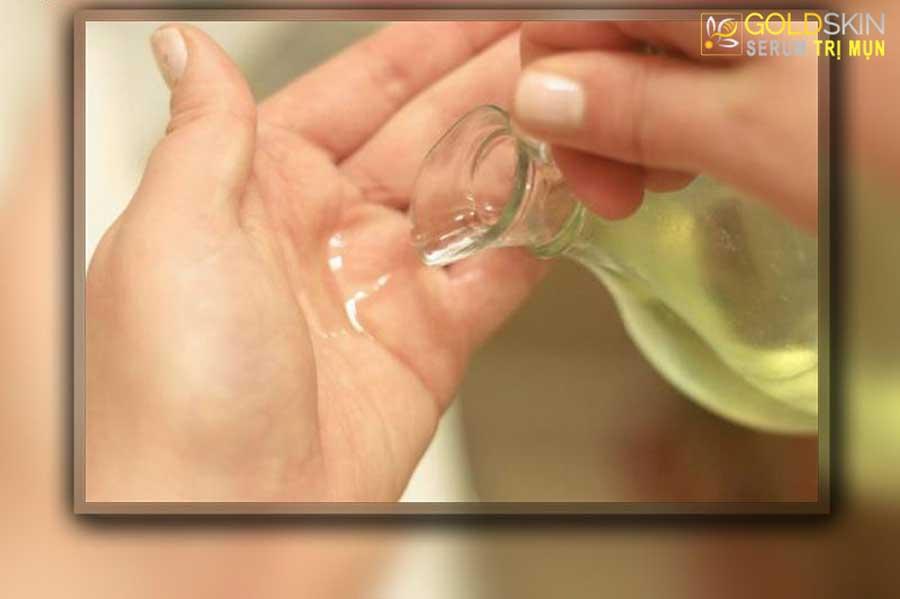 Sử dụng dầu dừa trực tiếp lên da