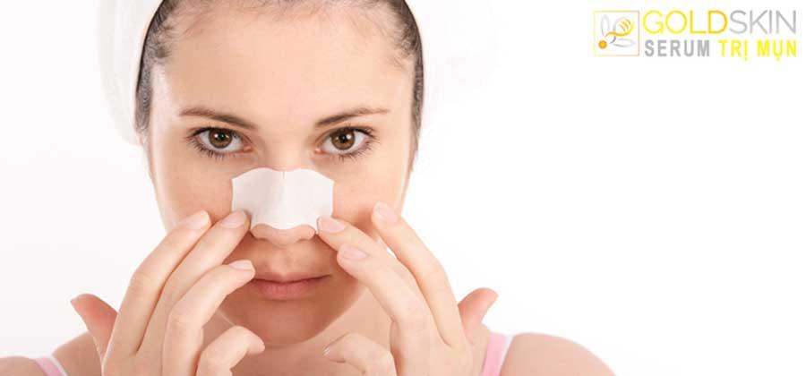 Sử dụng mặt nạ lột để hỗ trợ làm sạch da