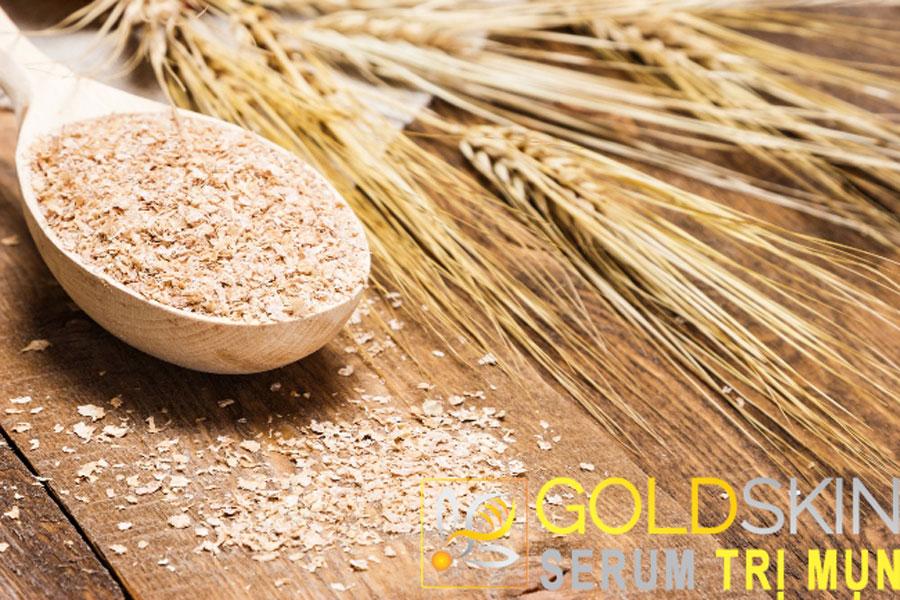 Mặt nạ bằng cám gạo giúp làn da tránh xa mụn ẩn