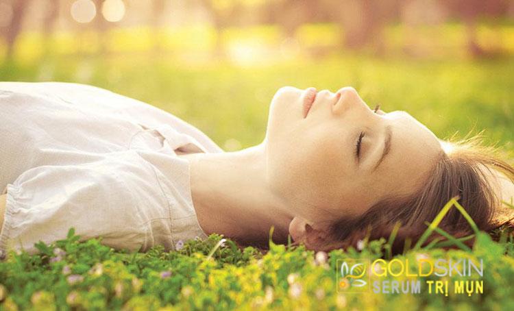 Thư giãn giúp tránh được mệt mỏi cũng sẽ có ích, vì stress rất có thể được kích thích các bã nhờn hơn