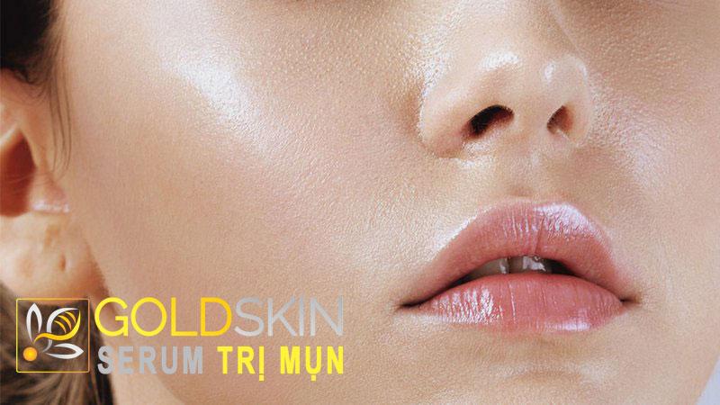 Điểm nổi bật và dễ nhận thấy nhất ở da dầu chính là bề mặt da luôn trong tình trạng bóng dầu