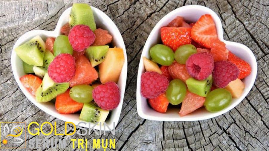 Chế độ ăn hàng ngày của bạn cần tránh xa các thức ăn nhiều dầu mỡ, đồ ngọt, caffeine, thức uống có cồn
