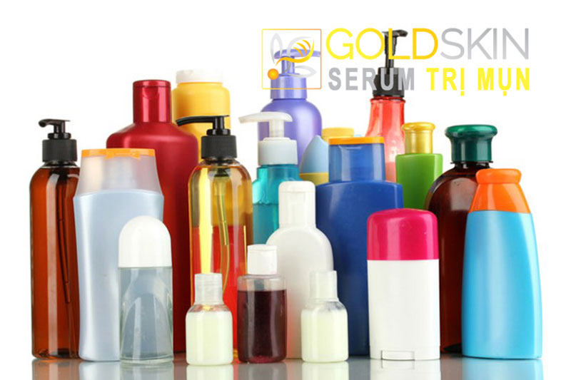 Trong các loại sữa tắm điều trị mụn lưng hiện nay trên thị trường đa phần đều có chứa có thành phần hóa học